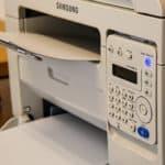 Les trucs à faire pour acheter moins cher vos presses et vos imprimantes d'étiquettes
