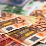 Quelle différence entre un rachat et un regroupement de crédit ?